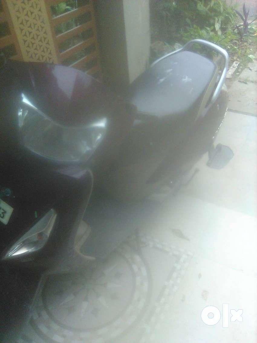 Yo world moped 0
