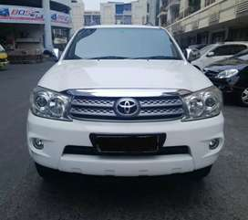 Toyota Fortuner 2.7G lux Automatic 2011 Putih