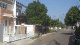Rumah siaphuni desain mewah elegan lok. dekat stasiun Rawa Buntu