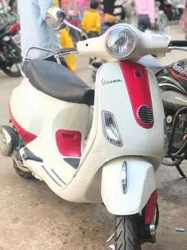 Vespa 150cc Scooty in mint condition.