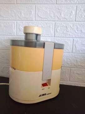 Juicer murah AIWA model T 323