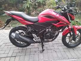 Honda cb 150r red