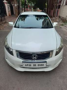 Honda Accord 2008 model 91000kms done in excellent condition.