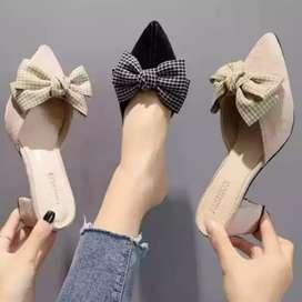 Sepatu sandal lokal