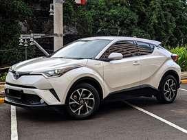 Toyota CHR Hybrid 2019 / 1.8/ Low KM & Like NEW