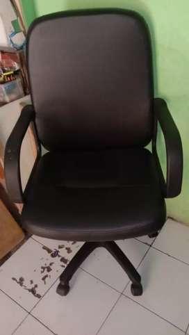 Jual kursi kantor type manager full rekondisi seperti baru