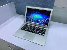 "JustMac—Apple MacBook Air 13.3"" 4 GB RAM/128 GB SSD/Core i5 2016"