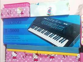 Piano keyboard Techno T 5000