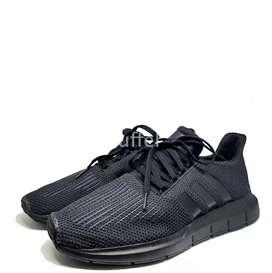 Adidas Swift Run Core - Full Black