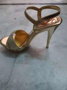 Ladies Fashion Heels(Brand New Piece)