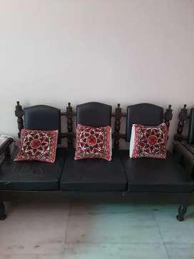 Sofa Set 3+1+1 Urgent Sale