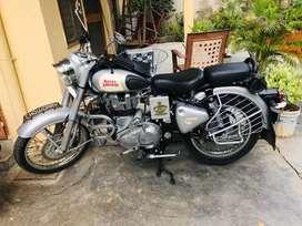 Royel Enfield 350cc silver colour Excellent condition..