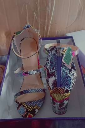 Imported heels. size:37,38,39.