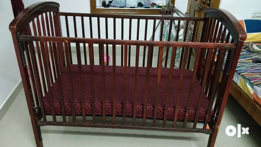 Baby bed cot good condition