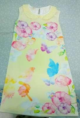 Knee-length dress for girls