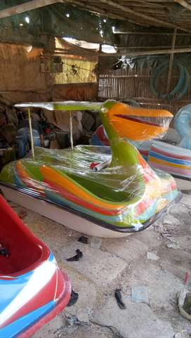 sepeda air bebek kecil,pabrik perahu air murah,sepeda air angsa ready