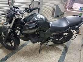 Hi i wanna sell Yamaha fz