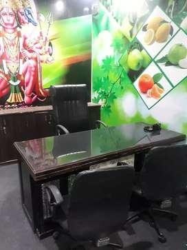 3 cabins 10 workstations attached washroom office in indirapuram.