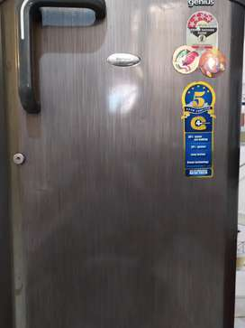 Good condition refrigerator like new all components working