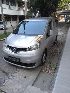 Di jual mobil NISSAN Evalia 2014