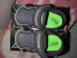 Sepatu sandal skechers
