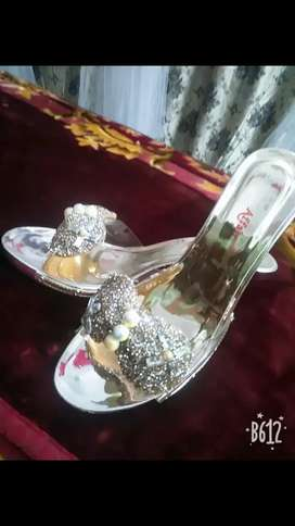 i m selling party shoe,, outclass design,, ecs brand