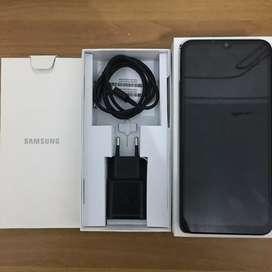 Samsung A50 4/64 garansi resmi seinl