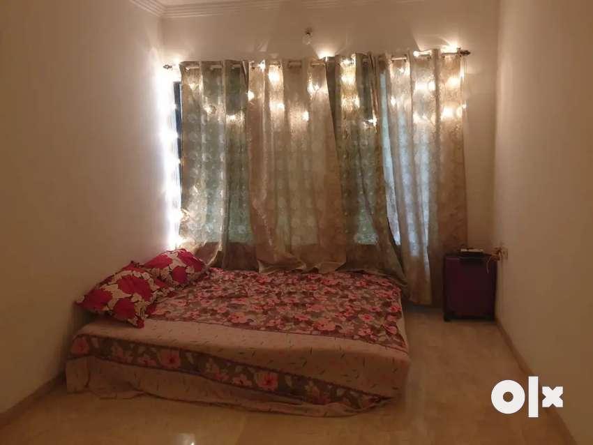 Hall sharing 8k bedroom10k