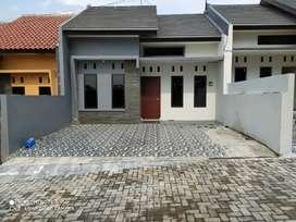 Rumah bagus bersih terawat siap pakai di perumahan cluster