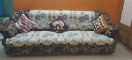Lucknow selling sofa set