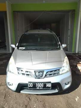 Nissan Livina X-Gear AT 2011