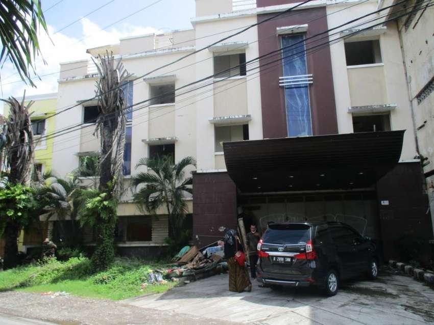 Dijual Hotel dan Gudang Parkir Makassar