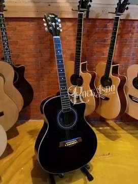 Gitar akustik Taylor Pemula