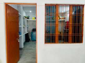 Room avail on Rent in Well clean & studious environment