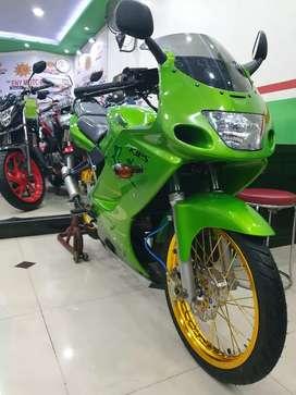 Kawasaki ninja rr old tahun 2012 barang super mulus