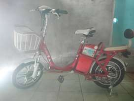 Sepeda listrik.
