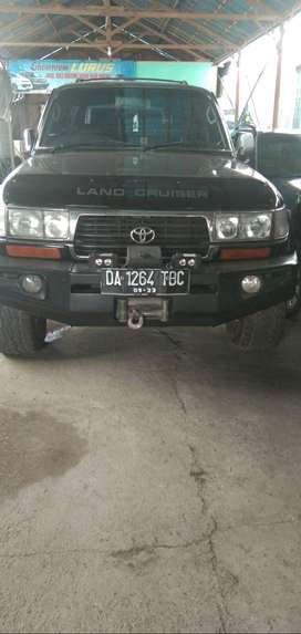 Toyota land cruiser vx mt