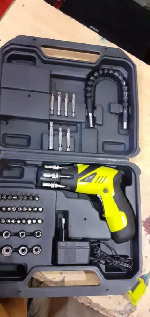 ELECTRONIC SCREW DRIVER