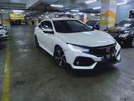 Honda Civic hatchback 1.5 Turbo AT 2017 putih