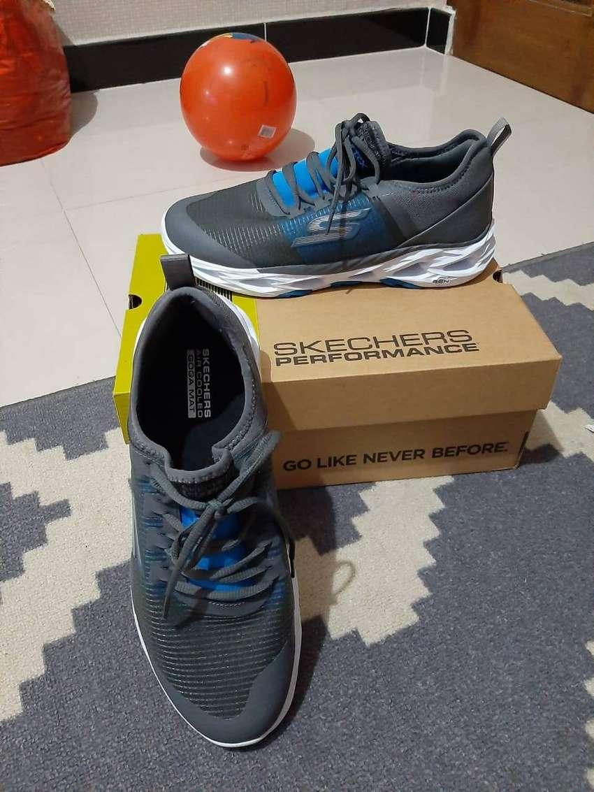 Sepatu Skechers GOrun Vortex 0