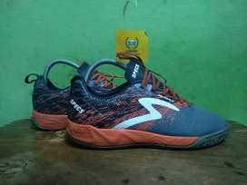 Sepatu futsal metasala