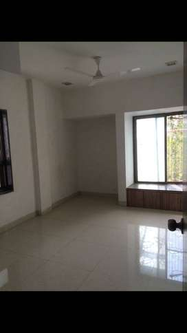 nice flat for rent in vashi well done up