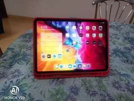 Ipad pro 11 inch 2020 model wifi only 128 gb with, warranty and Box