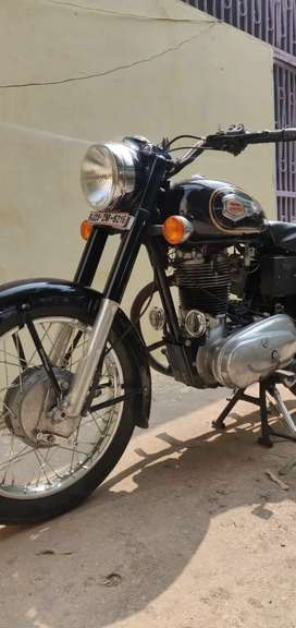 Royal Enfield bullet 350std