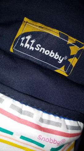 Hippseat baby dan tas merek snobby