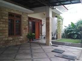 Rumah Cantik, Luas dan Megah di Rungkut, Surabaya timur