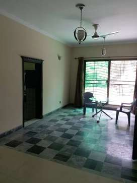 Independent upper portion in 2kanal house gulberg 3lhr