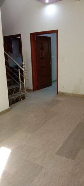 3.56 Marla Lower Portion Avalible Foe Rent In Dream Avenue Lahore.