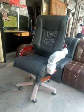 Leather Rite high back boss chair