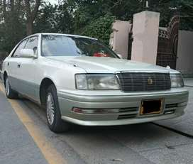 Toyota Crown 1995 to 1999 parking lights, grill, bumper